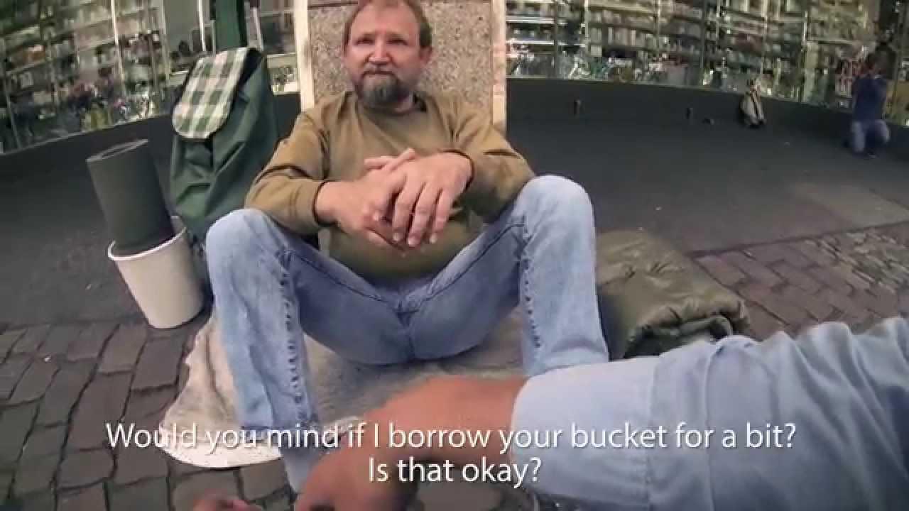 VIDEO: Midagi südamest - 3 Saksa tudengit üllatavad kodutut meest