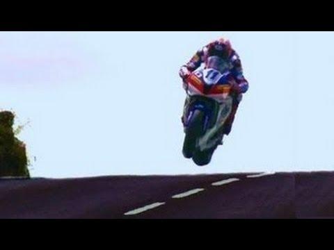 VIDEO: Võimsaim show maailmas. Võidusõit tänaval 322km/h. ISLE of MAN TT