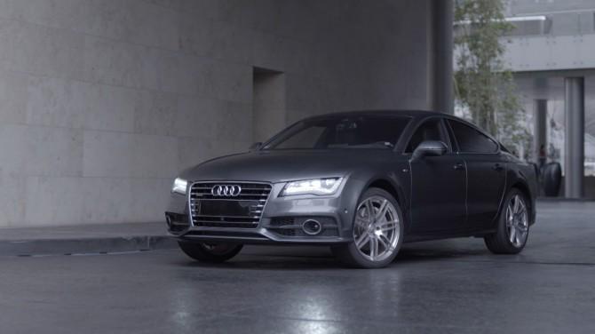 VIDEO:  Audi pargib end ise ja tuleb tagasi, kui teda kutsud