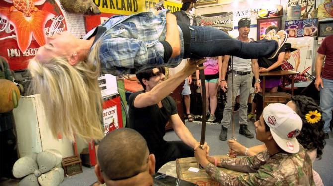 VIDEO: Criss Angeli uskumatult võimas  illusioon