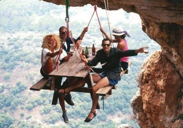 FOTOD: Kõrgusearmastajad - ekstreemsed kohad söömiseks ja magamiseks