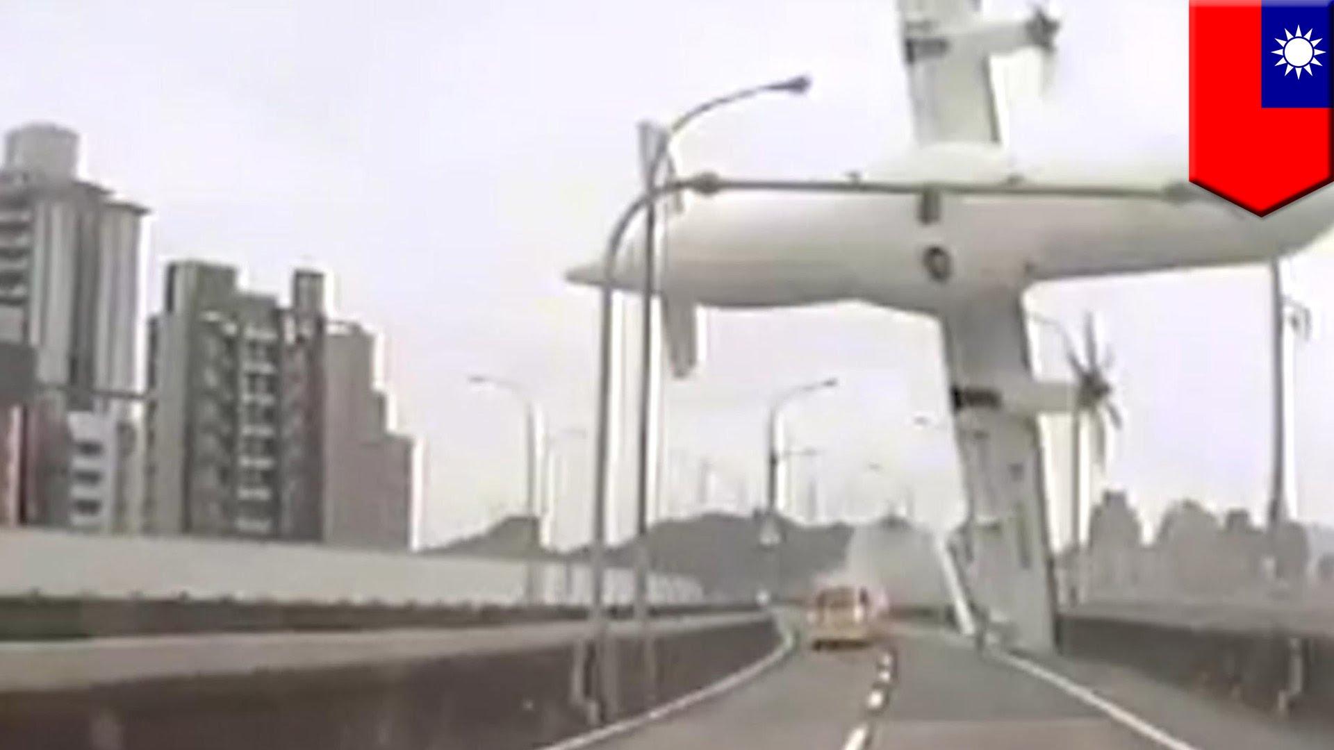 VIDEO: Kohutav lennuõnnetus Taiwanis - 23 inimest surnud