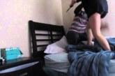 VIDEO: Tüngavideo läks halvasti ja võttis ootamatu pöörde – naine üritas oma meest ära tappa