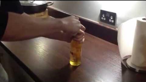 VIDEO: Vaata, kuidas A4 paberilehega õllepudelit avada