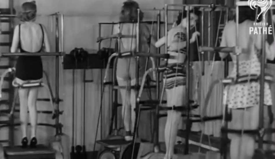 VIDEO: Vaata, kuidas aastatel 1940 kuni ... masinad naiste kehasid muljusid, et kaunist vormi saada