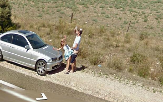FOTOD: Koomilised  olukorrad, mis on jäänud Google Street View autole kaadrisse