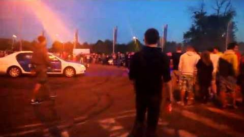 VIDEO: Eesti politsei hakkas kartma ning põgenes streetracerite eest