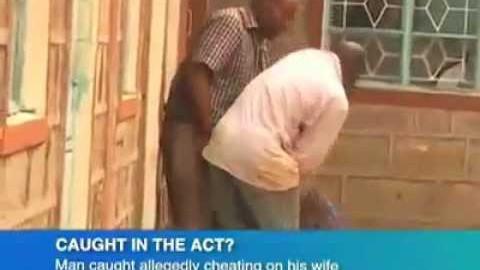 VIDEO: Mees petab oma naist ja peksab teda jalaga näkku