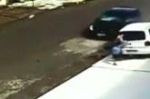 VIDEO: Uskumatu õnnetus – vaata, kui kiirest taastub laps, kui auto tast üle sõidab