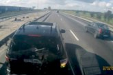 VIDEO: BMW juhist ajuhälvik – BMW X5 sõidab rekkale ette ja pidurdab