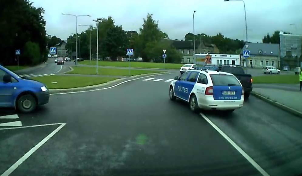 VIDEO: Kas selline käitumine on politsei poolt õige või mitte...