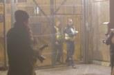 VIDEO: Pagulased võitlevad Eesti politseiga