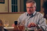 VIDEO: Haha – isa omapärane karistus poegadele, kes söögilaua taga nutitelefone näpivad