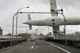 VIDEO: Vaata, kuidas tuul Venemaal 36 tonnist reisilennukit keerutab nagu mängasja