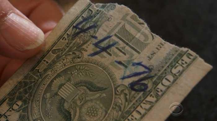 Nad rebisid 1 dollari keskelt pooleks. Üks pool läks ühele sõbrale ja teine pool teisele sõbrale. Nad kirjutasid ühele poolele kuupäeva, millal nad selle kokkuleppe tegid.