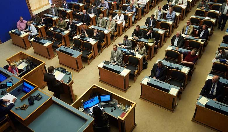 Riigikogu võtab täna väga tähtsa otsuse vastu - kas tegeleda eestlaste elu...