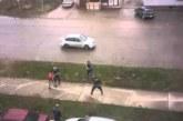 VIDEO: Purjus venelased peksavad kurikatega üksteist – peksa saavad kõik, kes ette jäävad
