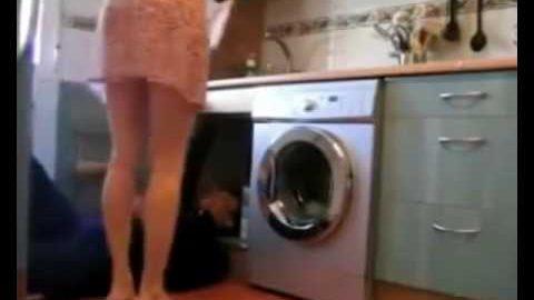 Mees paigaldas salakaamera ning sai teada, mida naine torumehega teeb
