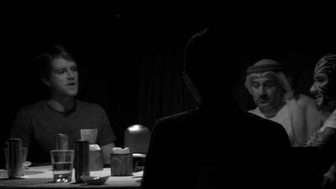 VIDEO: 6 üksteisele tundmatut inimest pannakse pimedasse ruumi - vaata, mis juhtub, kui ruumi saabub valgus