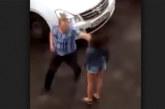 VIDEO: Kes lööb, see armastab? Vaata, kui julmalt see mees oma naisega käitub