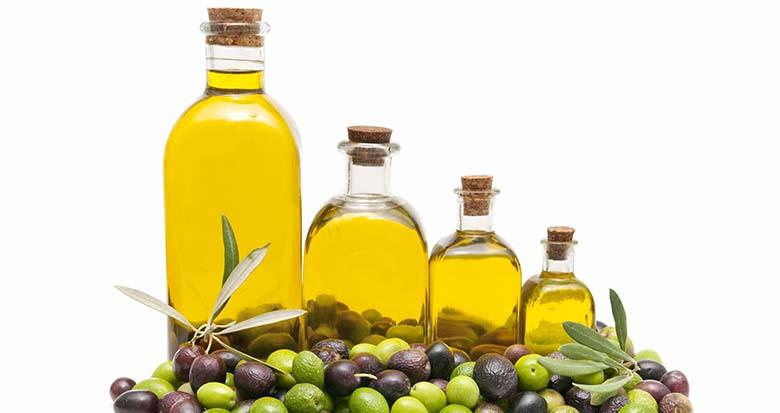 8. Oliiviõli Külmpressitud orgaanilised õlid nagu oliivi-, kanepi- ja linaseemneõli on maksa jaoks suurepärased, kui neid kasutatakse mõõdukalt. Nad toetavad organismi, andes lipiidide baasi, mis imab kehas kahjulikke toksiine. Sel viisil vähendavad nad maksa koormust, vähendades toksilist ülekoormust, mille all paljud meist kannatavad.