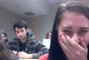 VIDEO: SUPER AJASTUS – VAATA, millega need tüdrukud klassiruumis hakkama saavad
