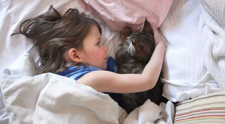 TÄHELEPANU - KAS TEADSID, et võid pimedaks jääda, kui kass sind lakub