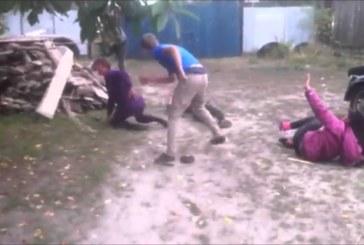 VIDEO: Ebanormaalne meile aga täiesti normaalne käitumine selles kommuunis