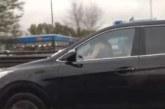 VIDEO: TÄHELEPANELIK liikleja filmis autot, mille juht tegeles mitme asjaga korraga…