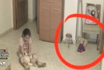 VIDEO: APPI – ISA paneb lapse tuppa kaamera ning avastab midagi kohutavat…