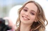 FOTO: ÄSJA 18-AASTASEKS saanud Johnny Deppi tütar otsustas poseerida palja ülakehaga