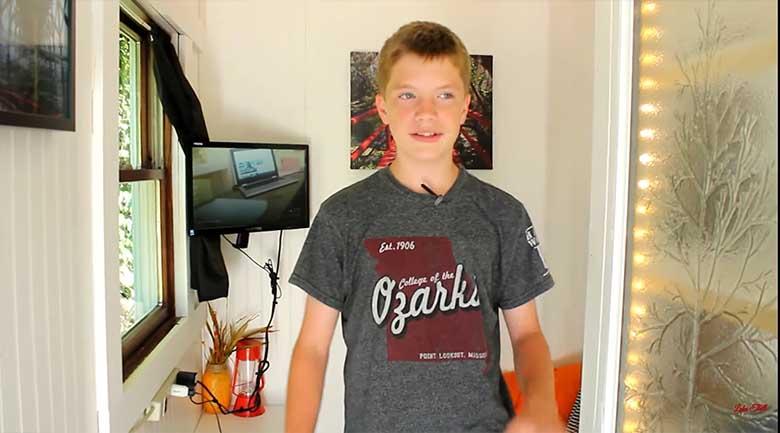 VIDEO: VAATA, MILLISE maja ehitas 13-aastane poiss 1500 dollari eest