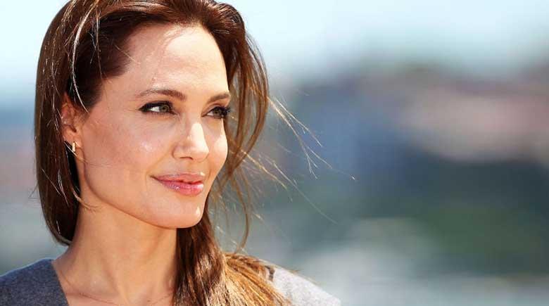 HIRMUJUDINAID TEKITAVAD FOTOD: 29-aastane naine tegi 50 iluoperatsiooni, et näha välja nagu Angelina Jolie