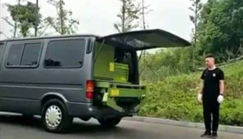 VIDEO: HÄMMASTAV, kui ei näeks siis ei usuks - millal Eestisse selline autoabi tulemas on...