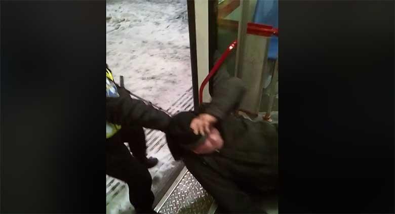 VIDEO: VAATA, MILLINE JÕHKARD on see USS turvatöötaja - turvatöötaja rämetseb karguga inimese kallal