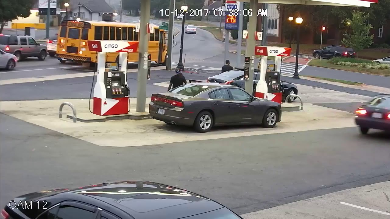 VIDEO: NARKODIILERITE tulistamine bensiinijaamas