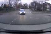 VIDEO: SEE POLITSEI  arvab, et talle peab ka siis teed andma, kui vilkurid ei tööta