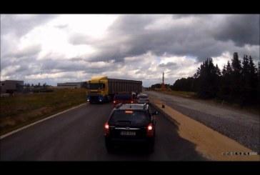 VIDEO: EESTI MEES on möödasõidu füürer – valik ohtlikke möödasõite, mis on Eestis toime pandud