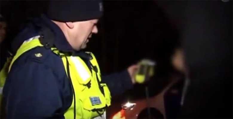 VIDEO: COCA TEKITAS keskjoobe - Ma pole kunagi joonud, ma olen proovinud, aga joonud mina ei ole!