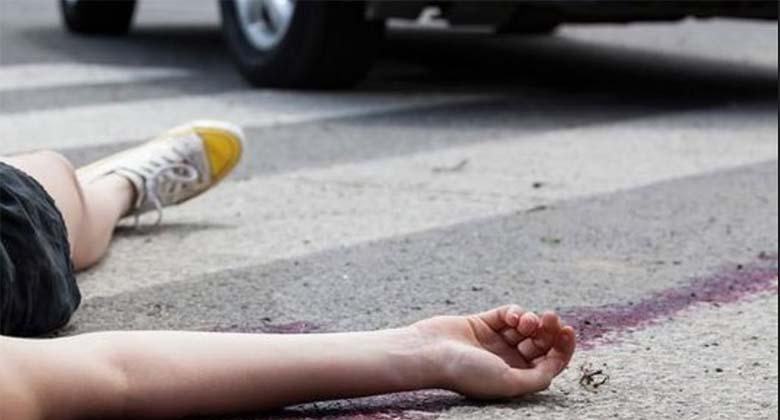 Kohtla-Järvel kaotas elu 20-aastane naine, kes jäi veoauto alla