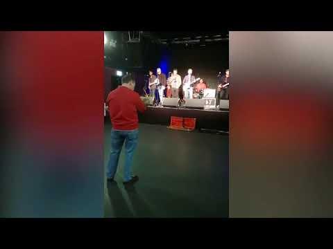 ÜLIKURB VIDEO ISAST, kes tantsib viimase tantsu oma haige tütrega, kellel on jäänud elada veel vaid mõni päev