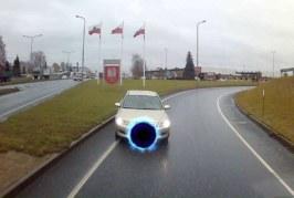 Video: APPI! Tartus vist saab autojuhilubasid osta – mõni lihtsalt ei saa kohe üldse sõitmisega hakkama