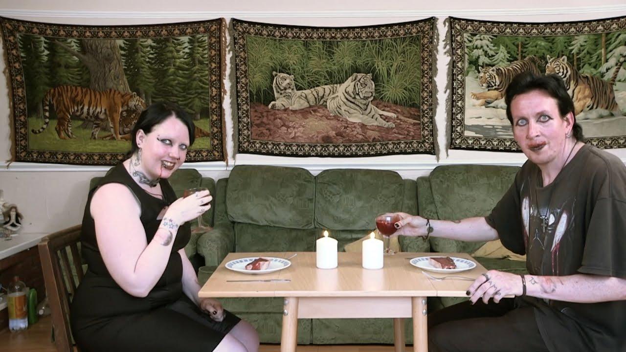 VIDEO: MISASJA!? PÄRISELU vampiiripaar, kes joovad üksteise verd iganädalaselt