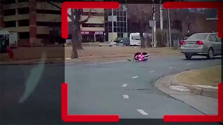 VIDEO: ISSAND, beebi kukkus sõidu ajal autost välja