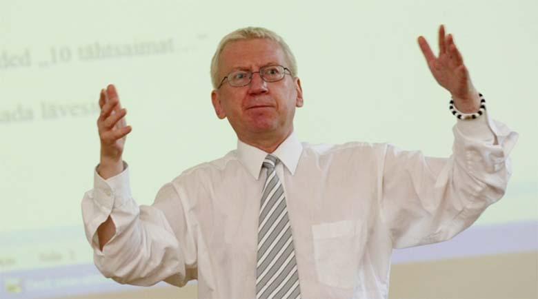 Linnar Priimägi: Mart Sander võib juhtida bigbändi, mitte Eesti Vabariiki - probleemiks on parasiidid...