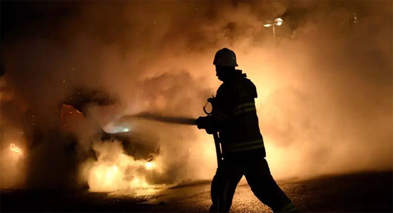 Rootsis tahtsid pagulased vanainimese põlema panna. Örebros  pandi Hobune põlema