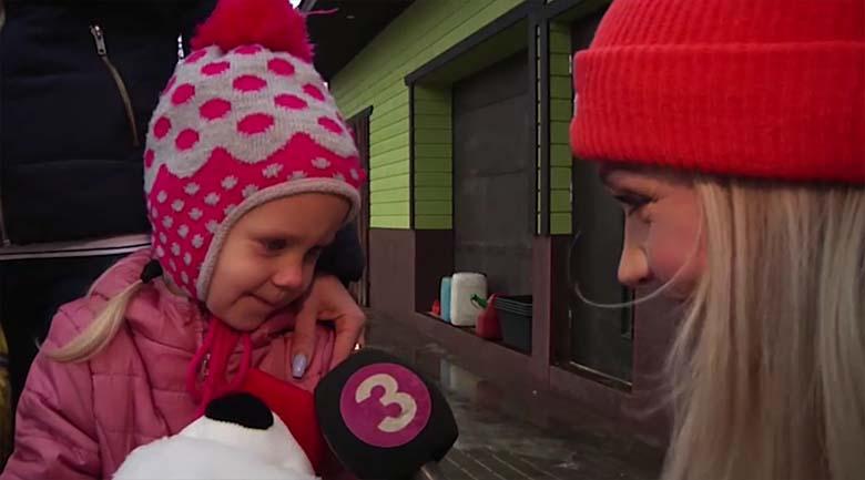 """VIDEO:  HEAD uudised! Saate """"Inglite aeg"""" abiga on tulekahjus maja kaotanud pere taas kodus"""
