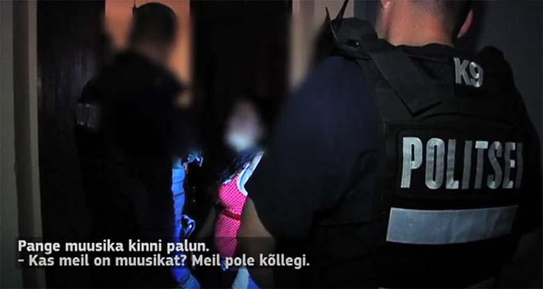 KOHUTAV VIDEO: SEE noor ema oli nii purjus, et politsei viis ta kainenema - ja tema lapsed...