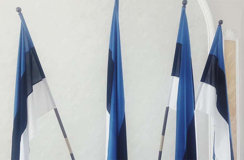 FOTO: Riigikogust eemaldati Euroopa Liidu lipud Henn Põlluaasa käsul