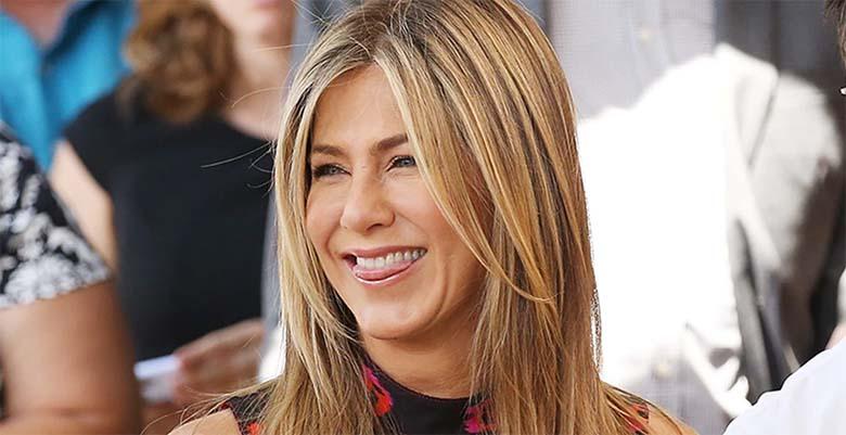KUUM FOTO: Jennifer Aniston on nagu vein, kes läheb aastatega paremaks - ka riided kaovad seljast